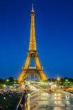 巴黎- 2013年7月12日:7月12日的艾菲尔铁塔 库存图片