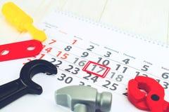 1月17日 天17在白色日历和玩具,被定调子的i的月 库存图片