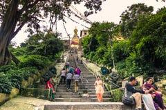 2014年8月19日-对猴子寺庙的入口在加德满都, Ne 免版税库存图片