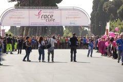 2015年5月17日 治疗的种族,罗马 意大利 反对乳腺癌的种族 库存照片