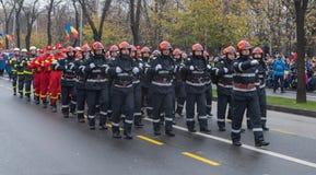 12月1日-罗马尼亚的国庆节的军事游行 图库摄影