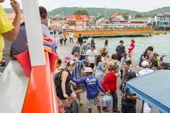 12月17日2014年Larn海岛芭达亚,泰国 免版税图库摄影