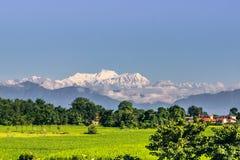 2014年9月02日-从Sauraha看见的喜马拉雅山,国家环境政策法案 免版税库存照片