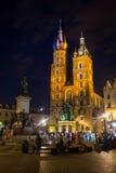 09 7月2017波兰,克拉科夫 集市广场在晚上 主要 免版税库存图片