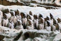 5月07 2017 :秦始皇兵马俑、战士和马 瓷县 库存照片