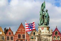 1月Breydel和彼得De Coninck雕象  布鲁日,比利时 免版税库存图片