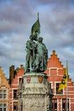 1月Breydel雕象和彼得de Coninck在布鲁日 免版税库存图片