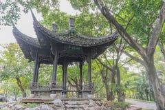 有一个中国式屋顶的议院 图库摄影