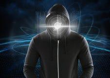 有一个数字式圈子的黑客在他的在数字式蓝色背景前面的面孔 免版税库存照片