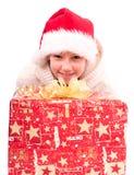 有一个新年箱子的青少年的女孩 库存图片
