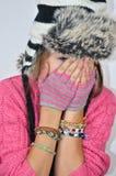 有一个滑稽的帽子的女孩 免版税图库摄影