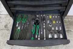 有一个特定工具的箱子为服务statio的汽车机械师 免版税图库摄影