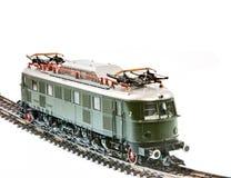 有一个电力机车的玩具火车 免版税库存照片
