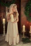 有一个蜡烛的女孩 免版税库存照片