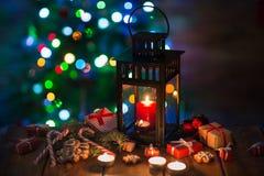 有一个蜡烛的灯笼圣诞节 库存照片