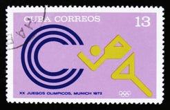 有一个运动员赛跑者的图片的古巴,从系列XX夏天奥运会,慕尼黑, 1972年,大约1973年 免版税库存图片