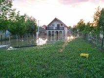 有一个围场的议院在洪水以后 免版税库存图片