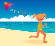 有一只风筝的女孩在海滩赛跑 免版税库存照片