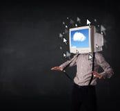 有一台显示器的商人在他的头、云彩系统和pointe 免版税库存图片