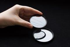 有一块残破的玻璃的透镜过滤器 照相机作用eps10例证透镜彩虹向量 免版税库存图片