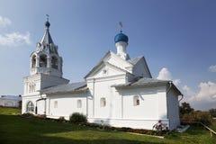有一座钟楼的Vvedenskaya教会在Murom 免版税库存图片