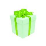有一把绿色缎弓的礼物盒。隔绝在白色 库存图片