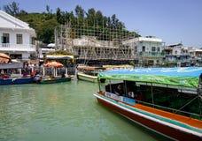 有一条运河的大澳村庄在香港 免版税图库摄影