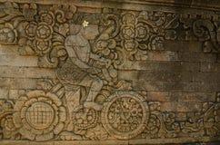 有一辆自行车的墙壁在寺庙复合体 图库摄影