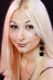 有万圣节的美丽的白肤金发的女孩组成 图库摄影