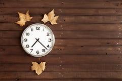 有三片叶子的时钟 库存照片