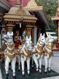 有上帝的克里希纳和Arjuna运输车 免版税库存照片