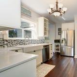 有不锈钢装置的科技目前进步水平厨房 免版税库存照片