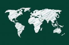 有世界地图的绿色黑板 向量例证