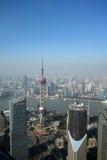 有东方珍珠电视的俯视的上海陆家嘴耸立 图库摄影