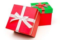 有丝带弓的两个礼物盒 当前的节假日 免版税库存图片