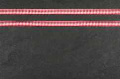 有丝带的板岩板材 免版税库存照片