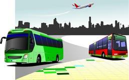 有两个公共汽车和飞机图象的城市全景 免版税库存照片
