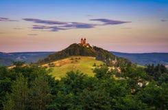 有两个塔的上部教会在Banska Stiavnica,斯洛伐克 库存照片