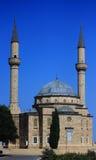 有两座尖塔的清真寺在巴库 库存照片