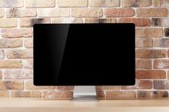 有个人计算机的办公桌工作场所 免版税库存图片