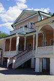 有中楼的议院在Konstantinovo 库存图片