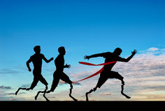有义肢的残奥会赛跑者竞争天 免版税库存图片