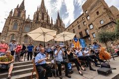有乐队的巴塞罗那主教座堂-西班牙 免版税库存图片