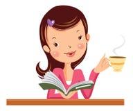 有书和咖啡的妇女 免版税库存照片