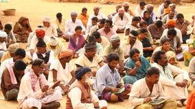 有书的印地安人民在村庄 股票录像