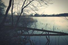 有事假的Autumn湖 库存图片