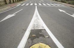 有二个运输路线的路 免版税库存照片