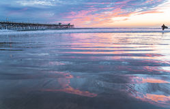 有云彩反射的圣克莱芒特码头 图库摄影