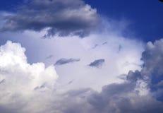 有云彩的斯凯岛 图库摄影