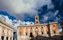 有云彩的罗马香港大会堂 免版税库存图片